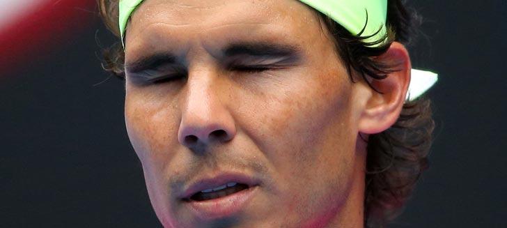 Semblante contrariado de Rafa Nadal tras la disputa de un punto contra Tomas Berdych en el Open de Australia 2015