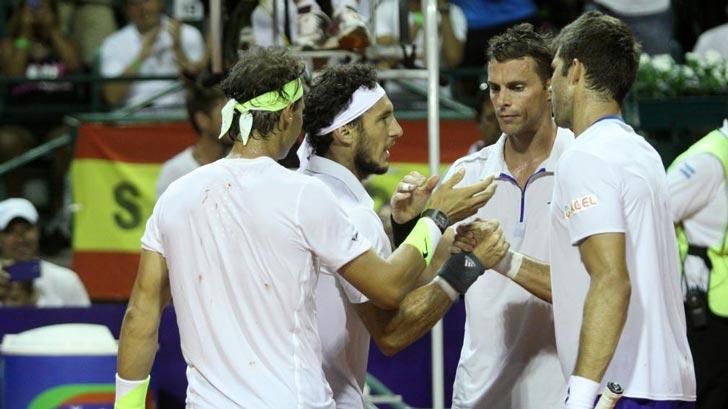 Saludo final de la pareja Nadal-Mónaco al duplo Cermark-Vesely en el Argentina Open 2015