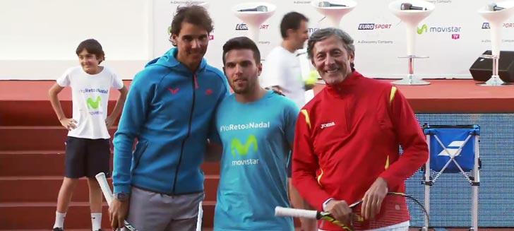 Rafa Nadal fotografiándose con el ex-periodista de TVE Jesús Alvarez y el deportista pre-olímpico David Barquero